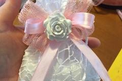 Bomboniera con rosa profumata in gesso